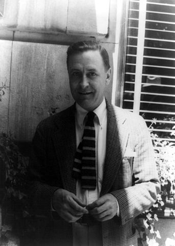 342px-Francis_Scott_Fitzgerald_1937_June_4_(1)_(photo_by_Carl_van_Vechten) (via Wikipedia)
