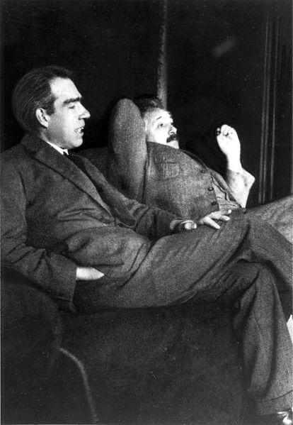 Niels_Bohr_Albert_Einstein_by_Ehrenfest (via Wikipedia)
